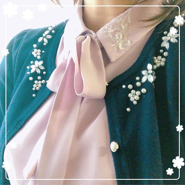 今日はビジュー付きの春モノを買いました。顔まわりが華やかになるので、お見合いやデートにもお勧めですよ♫#デート服 #お見合い服 #婚活 #結婚相談所 #ibj #biy #ビリーブインユアセルフ #大阪市住吉区あびこ